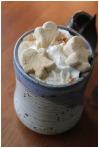 Crock pot hot chocolate - www.creatingthroughlife.com