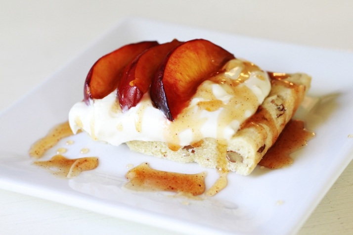 Peach-Mimosa-Cheesecake by dessertplanet.com