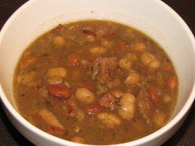 Slow-Cooker-Bean-Soup