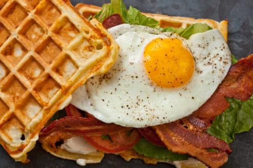 30448_RecipeImage_620x413_waffle_blt_egg_4