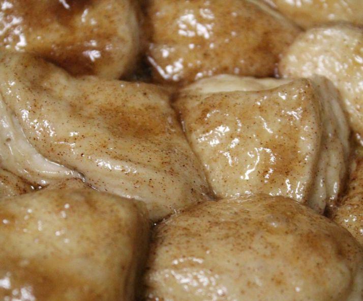 Pot brood met suiker en room