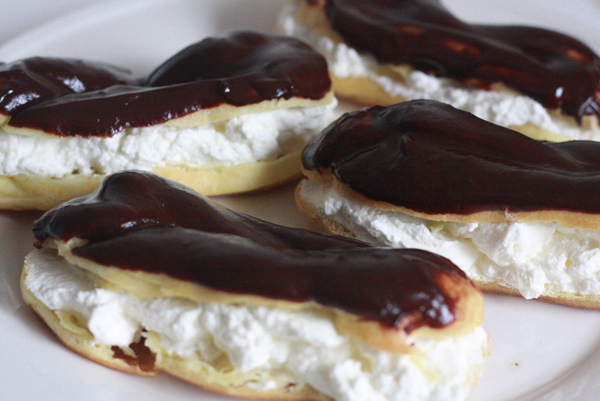 Chocolate-Eclairs-pkshine