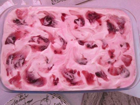 berrie joghurt tert
