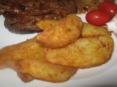 Potato wedges met meel en aromat